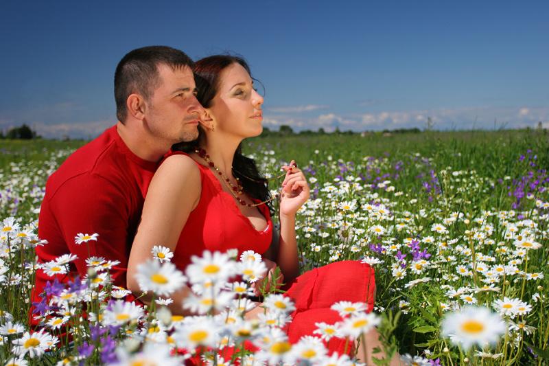 Женщина это цветок, а мужчина садовник.