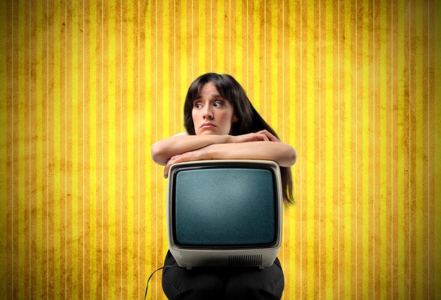 Пока не поздно, лучше отказаться от просмотра телевизора.